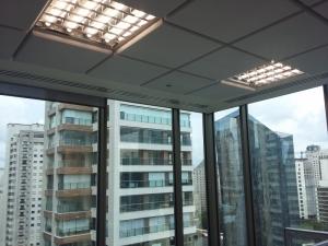 Espuma para isolamento - Acusterm isolamentos termicos e acusticos - aplicacao em escritorio